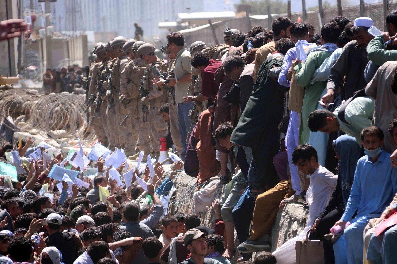 काबुल विस्फोटमा १३ अमेरिकी सेनासहित १०३ को मृत्यु